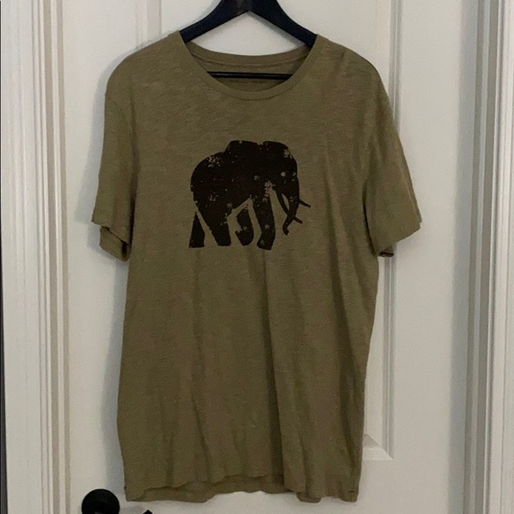 Banana Republic elephant logo shirt